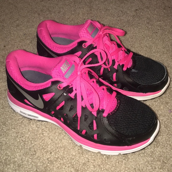 fd1dcaf21d9a0 Nike Shoes | Pink Black Dual Fusion 2 Womens Size 8 | Poshmark